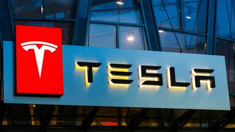 Akcje Tesla
